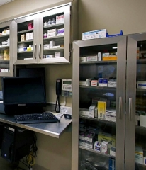 Stainless Steel Pharmaceutical Casework for Prescription Storage