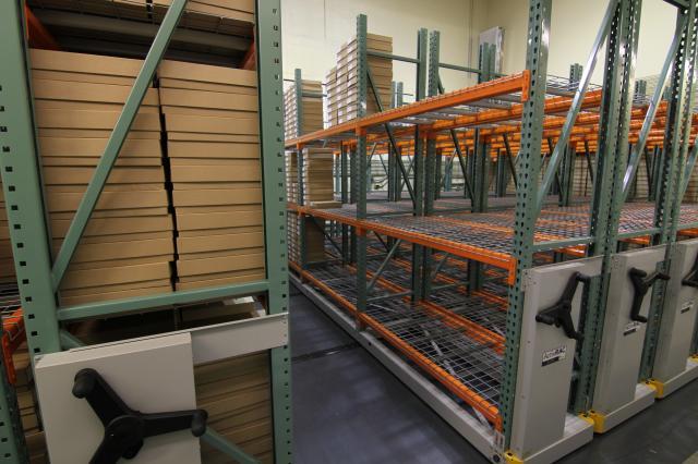 Mobile Industrial Racks Rolling Bulk Shelves Warehouse