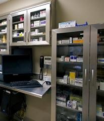 Stainless Steel Pharmaceutical Casework for Prescription Storage